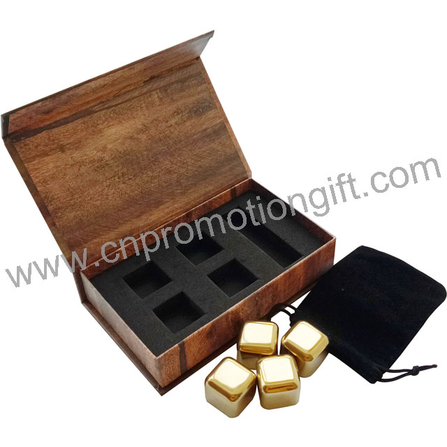 2019 New Magnetic Gift Box Gold Whiskey Ice Cube Wine Gift Set With Flannelette Bag